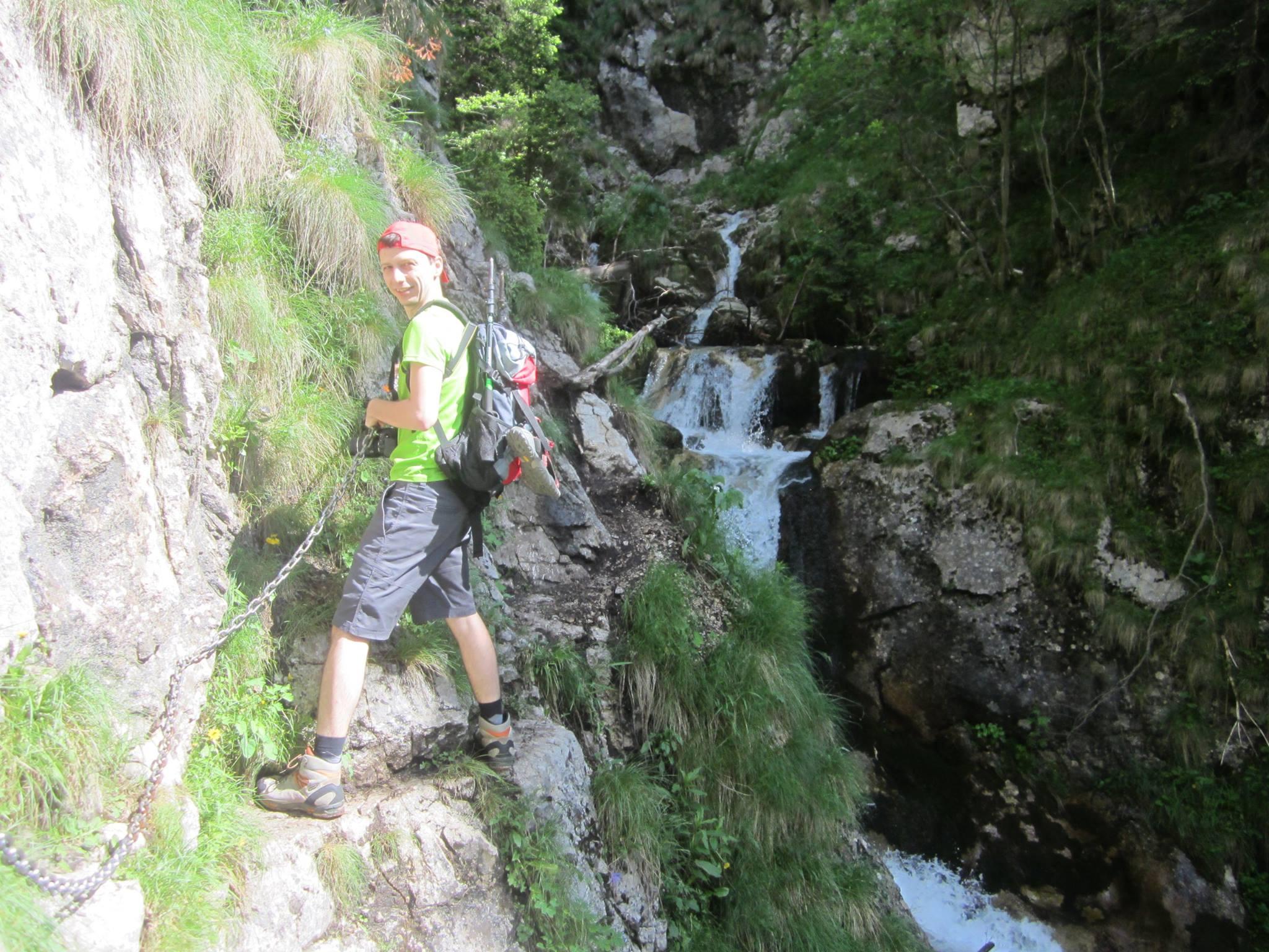 zona tehnica cu cabluri - traseu Valea Horoabelor - muntii Bucegi