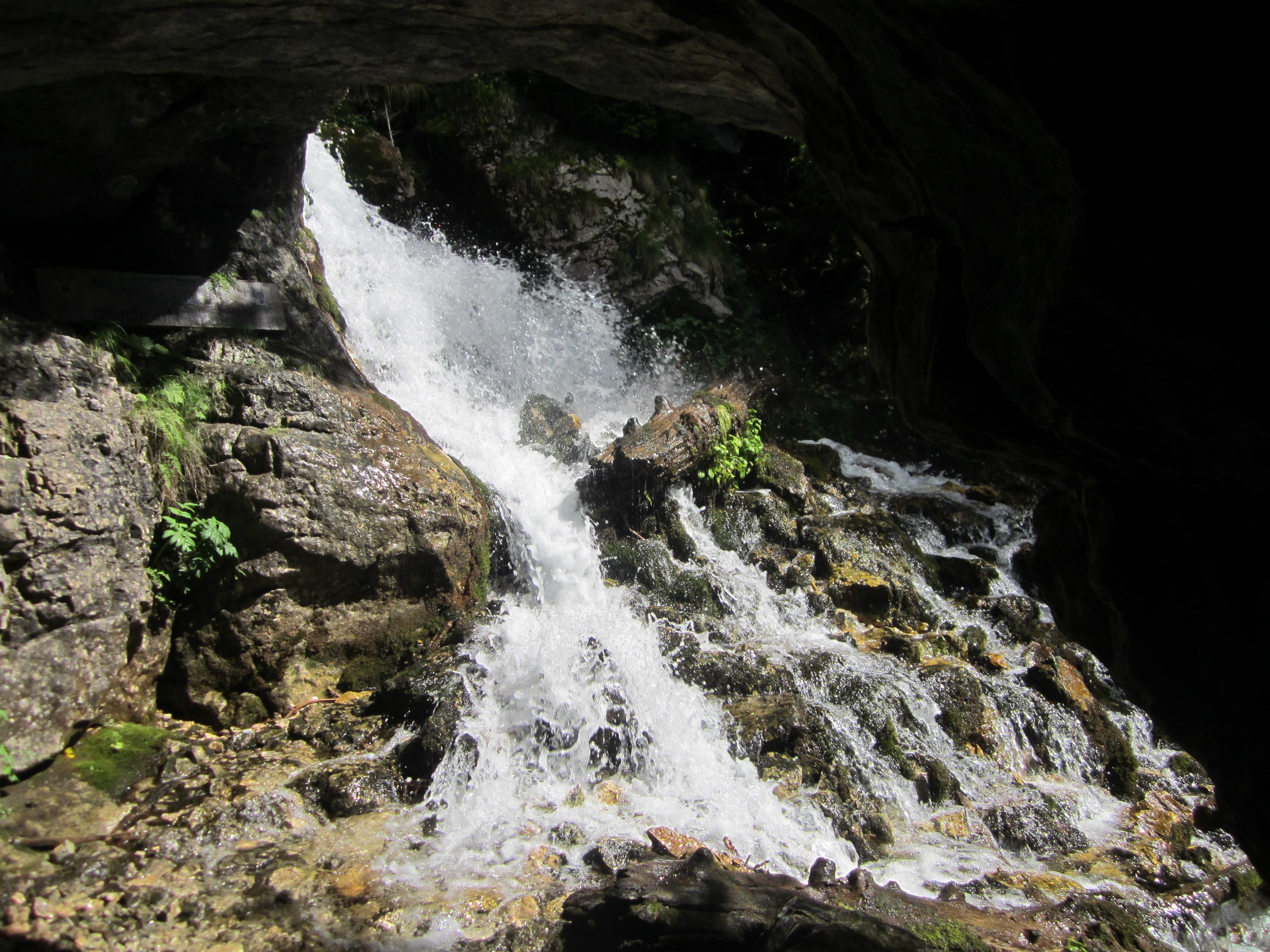 izbucul Horoabelor - muntii Bucegi