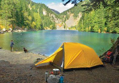 Cum sa-ti alegi locul de campare cu cortul la munte–sfaturi utile